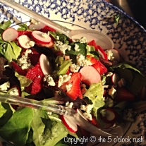 Boston lettuce with strawberries and blue cheese