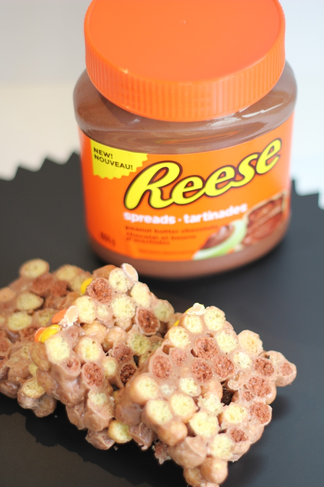 Reese® Peanut Butter and Chocolate Puffs Cereal Treats #DoYouSpoon