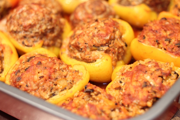 Meat and Vegetarian Stuffed Peppers in Circulon® Roaster